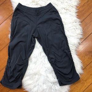 c9b0c5929971a ... Colorblock Sweater XS Lululemon Gray Stripe Cargo Crops Capri Pants 6  ...